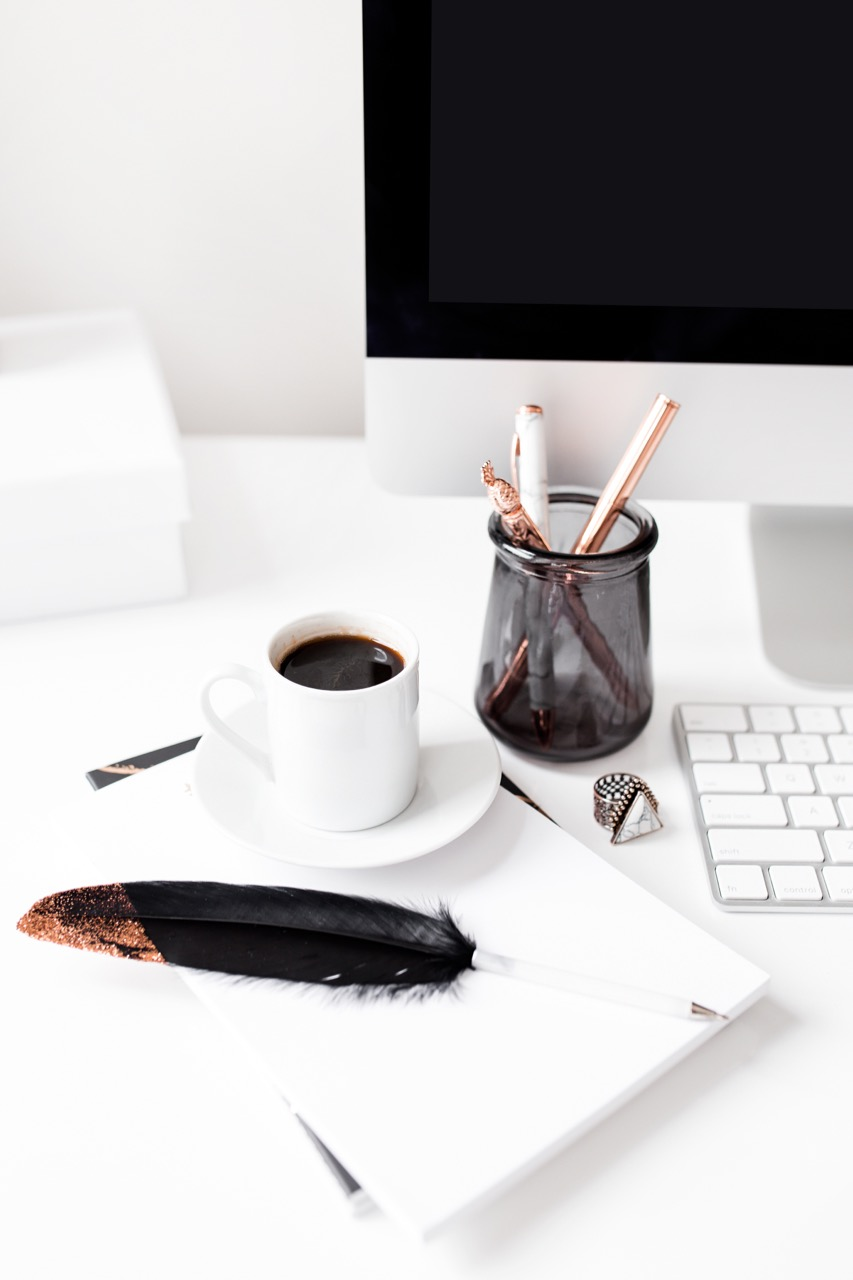 Advice to help you start a blog with a video tutorial to help you setup your blog today. A must-read for anyone who wants to start a blog and be a successful blogger!